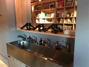 BookAndBedTokyo京都店の洗面台