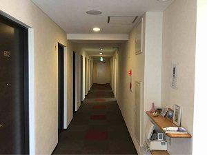 パレスジャパンの客室フロア廊下