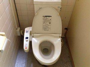 ビジネスホテル加賀の洋式トイレはウォシュレット取付