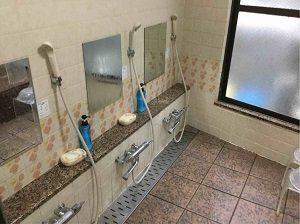 ビジネスホテル加賀舎の大浴場洗い場