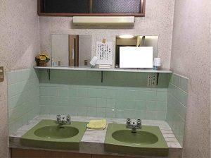 ビジネスホテル加賀舎の洗面台