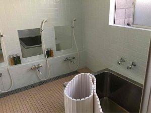 ホテル明月の浴室