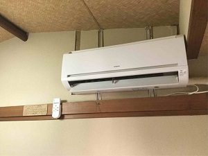 ホテル日光館の客室にはエアコンも