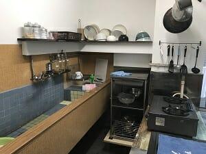 ヨコハマホステルヴィレッジのキッチンスペース