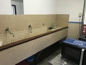 ヨコハマホステルヴィレッジの洗面スペース
