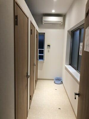 池袋ロッヂングの共用シャワーは3室
