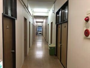 池袋ロッヂングの1階廊下