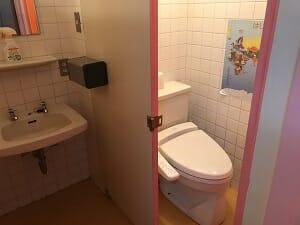 ビジネスホテルJステーションの共用トイレ
