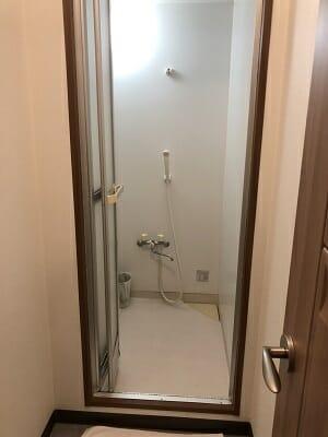 東京SA旅館の共用シャワールーム内