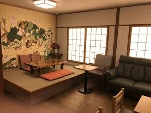 東京SA旅館の共用スペースは和風テイスト